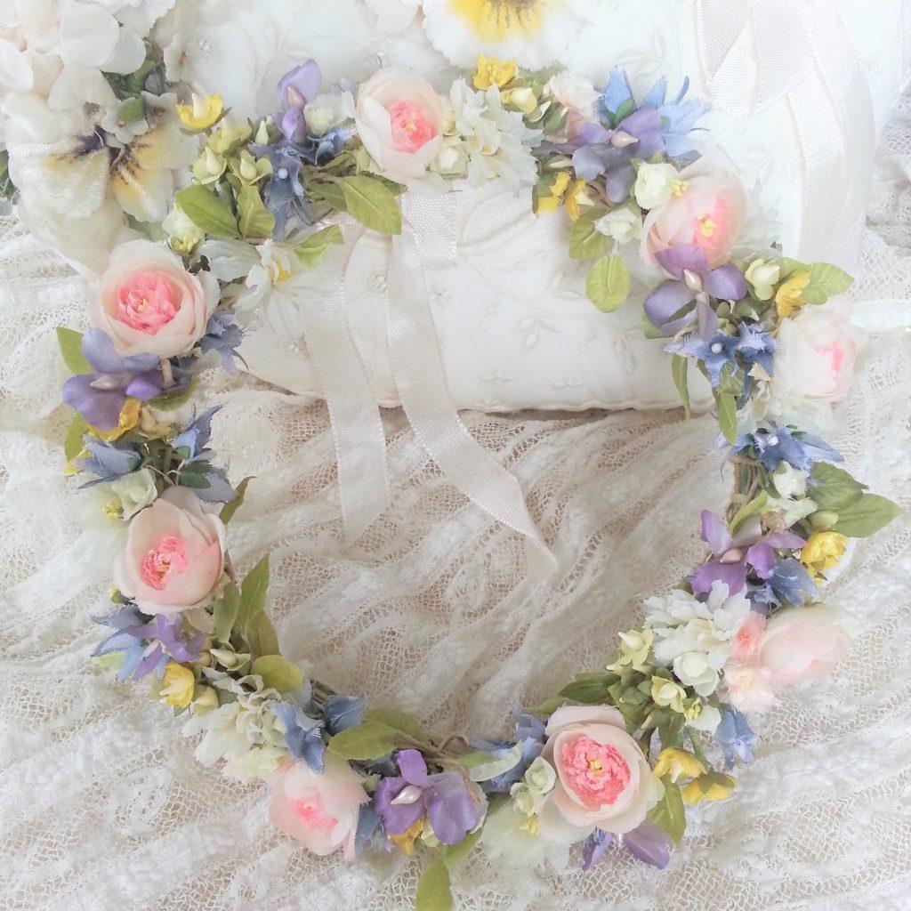 布花 バラと小花の可憐なリース