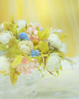 ホワイトローズと色々な花たち